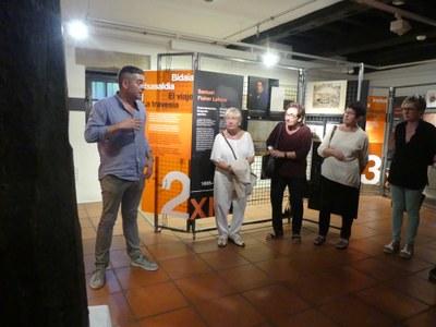 Mikel Alberdi en la inauguración de la exposición