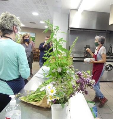 En la cocina de la sociedad gastronómica de Mutiloa