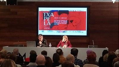 Exitosa charla de Mikel Alberdi sobre la boina de Nicolás Ollo